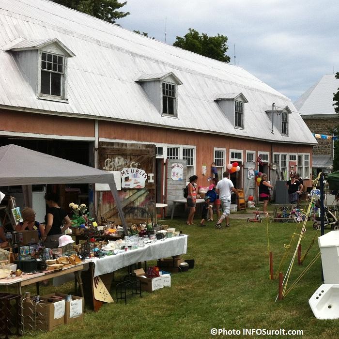 Bazar-en-fete-2012-a-Saint-Louis-de-Gonzague-grange-meubles-vaisselle-bric-a-brac-Photo-INFOSuroit-com_