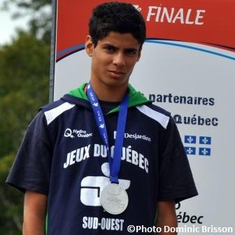 Najib-El-Andaloussi-athletisme-medaille-argent-Jeux-du-Quebec-Photo-Dominic-Brisson-publiee-par-INFOSuroit-com_