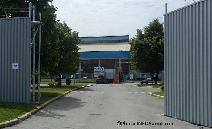 OVH-entree-principale-du-chantier-a-Beauharnois-Photo-INFOSuroit-com_