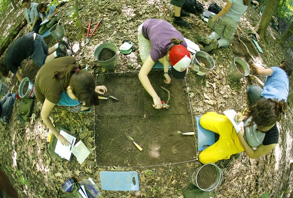 Pointe-du-Buisson-fouilles-archeologiques-Photo-courtoisie-Tourisme-Suroit-publiee-par-INFOSuroit-com_