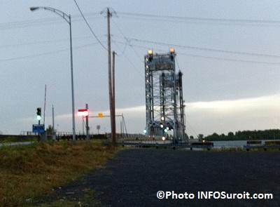 Pont-Larocque-de-nouveau-en operation-apres-avoir-ete-frappe-par-foudre-23-juillet-2012-Photo-INFOSuroit-com_