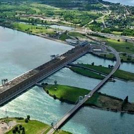 pont-et-centrale-hydroelectrique-de-Beauharnois-Route-132-vue-Melocheville-Photo-Hydro-Quebec-publiee-par-INFOSuroit-com