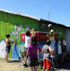 Jeunes-du-PRAQ-et-Maison-de-la-jeunesse-ruelle-verte-a-Valleyfield-Photo-courtoisie-publiee-par-INFOSuroit