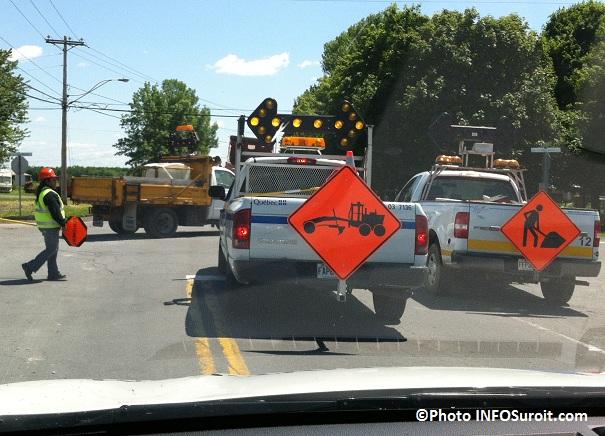 travaux-MTQ-detour-signaleur-Photo-INFOSuroit-com_