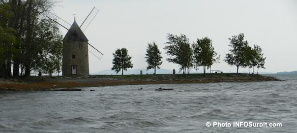 Moulin-sur-la-pointe-du-Parc-historique-N-D-Ile-Perrot-lac-St-Louis-Photo-INFOSuroit-com_