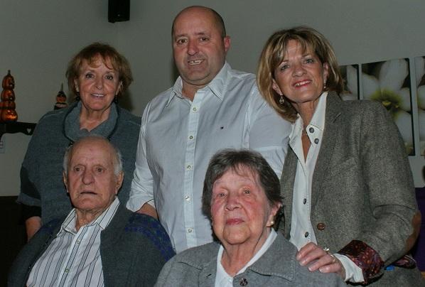 70 ans de mariage Edgar et Madeleine Haineault avec Nicole Paul-Andre et Jeannine