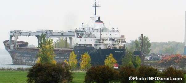 Beauharnois-Vieux-cargo-Kathryn-Spirit-lac-Saint-Louis-Groupe-St-Pierre-Demolition-Photo-INFOSuroit-com_