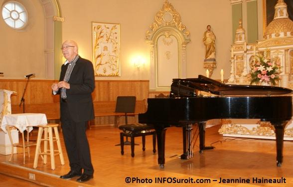 Francois-Dompierre-et-piano-Recit-Recital-a-Chateauguay-Photo-INFOSuroit-com_Jeannine-Haineault