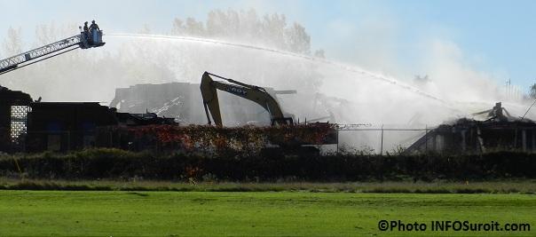 Incendie-ex-usine-Spexel-Beauharnois-Pompiers-en-action-et-Grande-echelle-Photo-INFOSuroit-com_