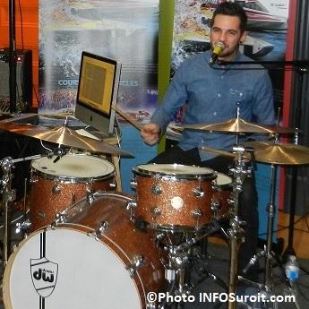 Lendemain-de-Veille-Marc-Andre-Rioux-chanteur-guitariste-et-batteur-mai-2012-Photo-INFOSuroit-com_