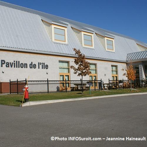 Pavillon-de-l-ile-automne-2010-Photo-INFOSuroit-com_Jeannine-Haineault