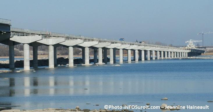 Pont-Autoroute-30-entre-Valleyfield-et-Les Cedres-Photo-INFOSuroit-com_Jeannine-Haineault