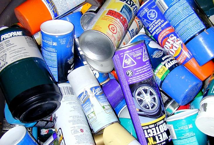 Residus-domestiques-dangereux-RDD-Photo Recyc-Quebec-publiee-par INFOSuroit-com_