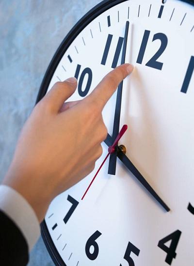 horloge-cadran-changement-heure-recule-heure-normale-Image-CPA-publiee-par-INFOSuroit
