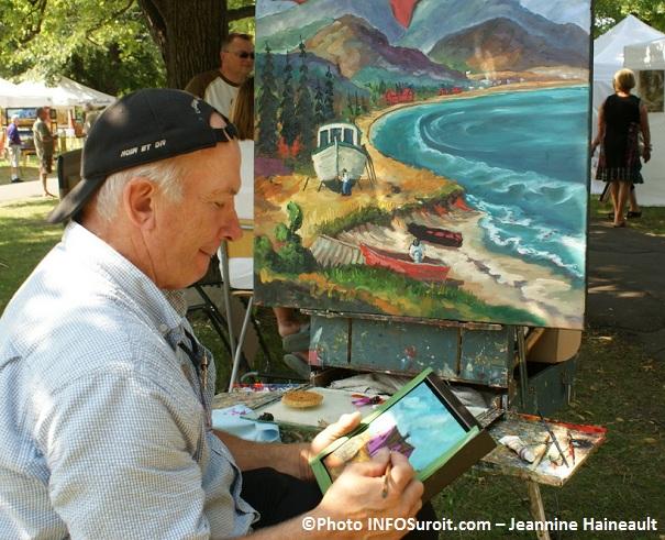 Yvon_Duranleau-artiste-peintre-de-Coteau-du-Lac-au-Festival-des-arts-visuels-Valleyfield-Photo-INFOSuroit_com_Jeannine-Haineault