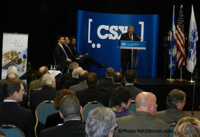 Annonce-CSX-a-Valleyfield-Denis_Lapointe-et-assistance-Photo-INFOSuroit_com