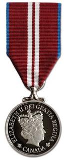 Medaille-du-jubile-du-diamant-de-la-reine-Elizabeth-II