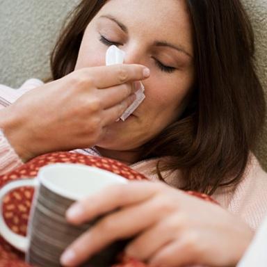 Rhume-grippe-congestion-fievre-maladie-kleenex-Photo-CPA-publiee-par-INFOSuroit_com