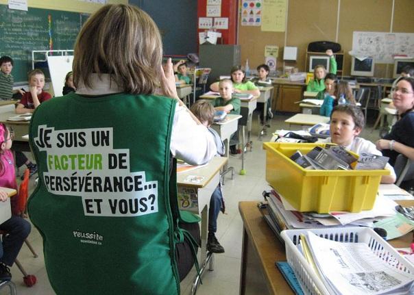 Perseverance-scolaire-Jeunes-ecole-des-Jeunes-Riverains-avec-directrice-Lucie-Deschamps