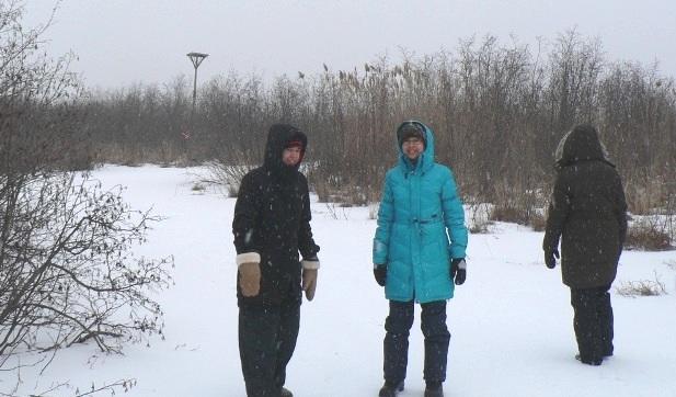 Reserve-nationale-de-faune-lac-St-Francois-hiver-marcheurs-visiteurs-dont-Anne-Quach-Photo-courtoisie-publiee-par-INFOSuroit