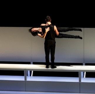Troupe-Le-Fils-d-Adrien-danse-extrait-spectacle-Fluide-sera-a-Valleyfield-28-fevrier