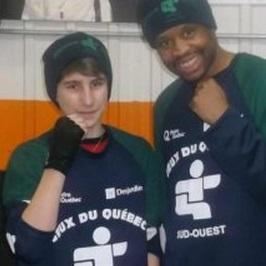 Boxeur-Mathieu-Brunet-et-entraineur-Gerald-Alexandre-Jeux-du-Quebec-Saguenay-photo-courtoisie-publiee-par-INFOSuroit.jpg