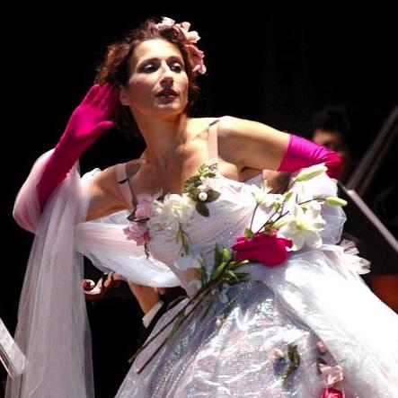 Natalie_Choquette-Mon-coeur-s-ouvre-a-ta-voix-Lima-2006-Photo-courtoisie-publiee-par-INFOSuroit_com
