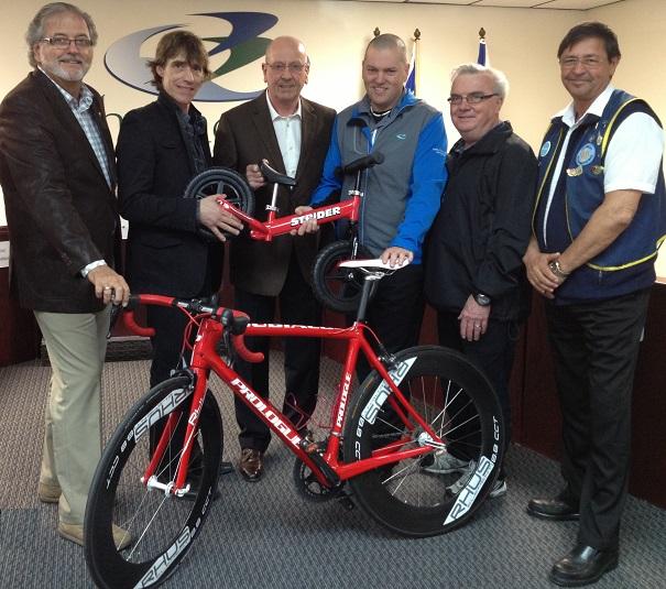 Beauharnois-annonce cyclisme-CHaineault-EBrault-ACharlebois-EBrunet-GDagenais-et-JYLaurin-Photo-courtoisie
