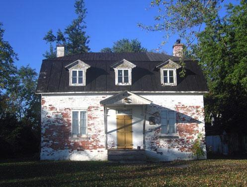 Maison-Felix-Leclerc-a-Vaudreuil-Dorion-Photo-Jean-Francois_Rodrigue-2007-extrait-du-Repertoire-du-Patrimoine-culturel-du-Qc