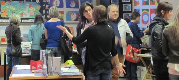 Premier-salon-pedagogique-et-litteraire-commisson-scolaire-Vallee-des-Tisserands-photo-courtoisie-publiee-par-INFOSuroit