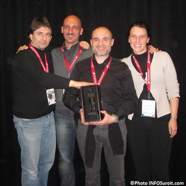 Troupe-italienne-Scimmie-Nude-prix-public-FIT-2013-photo-INFOSuroit