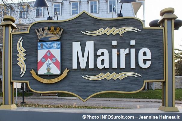 enseigne-Mairie-Ville-de-Chateauguay-Photo-INFOSuroit_com-Jeannine_Haineault