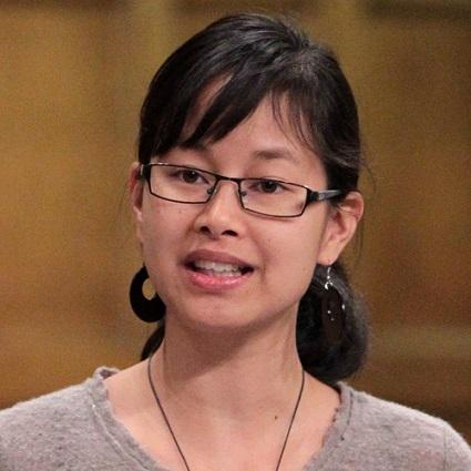 Anne-Minh-Thu-Quach-a-Ottawa-Chambre-des-Communes-Photo-courtoisie-publiee-par-INFOSuroit