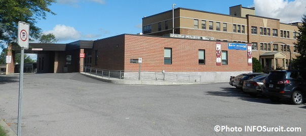 Hopital-Barrie-Memorial-CSSS_Haut-St-Laurent-a-Ormstown-urgence-entree-Photo-INFOSuroit_com
