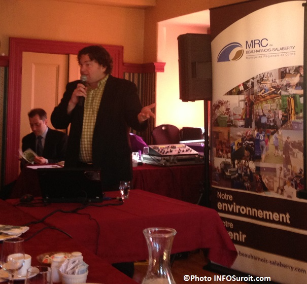 Patrice_Lemieux-de-la-MRC-parle-des-programmes-de-gestion-de-matieres-residuelles-Photo-INFOSuroit