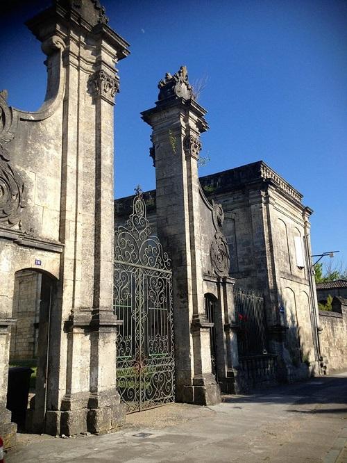 Abbaye-Notre_Dame-de-la-Courronne-tournee-Europe-Guadjewa-photo-Genevieve-Champagne-publiee-par-INFOSuroit