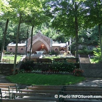Le-Sanctuaire-Notre-Dame-de-Lourdes-du-mont-Rigaud-Photo-INFOSuroit_com