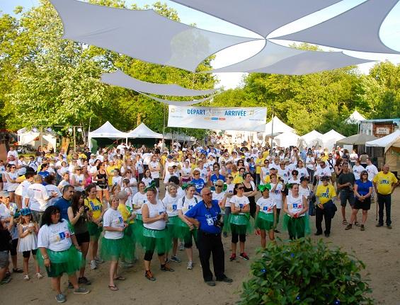 Relais-pour-la-vie-Vaudreuil-Soulanges-2013-des-participants-et-benevoles-Via-la-scene