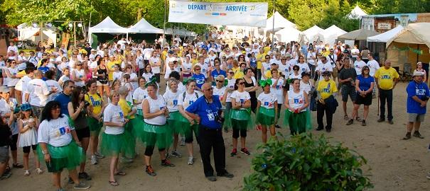 Relais-pour-la-vie-Vaudreuil-Soulanges-2013-participants-et-benevoles-Via-la-scene-Photo-courtoisie