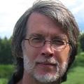 Rene-Lapierre-ecrivain-quebecois-professeur-poete-Photo-courtoisie-publiee-par-INFOSuroit_com