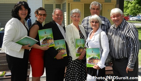 Politique-familiale-Rigaud-C_Lemieux-V_Cunche-R_Brazeau-M-P_Chevrier-A_Chevrier-Y_Faubert-et-P_Brasseur-Photo-INFOSuroit