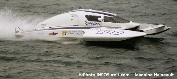 regates-hydroplane-CS109-pilote-Dominic_Maisonneuve-Photo-INFOSuroit_com-Jeannine_Haineault