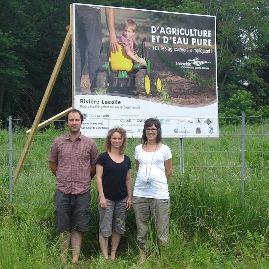 Campagne-affichage-d_agriculture-et-d_eau-pure-coordonnateurs-projets-photo-Yves_Belanger-publiee-par-INFOSuroit
