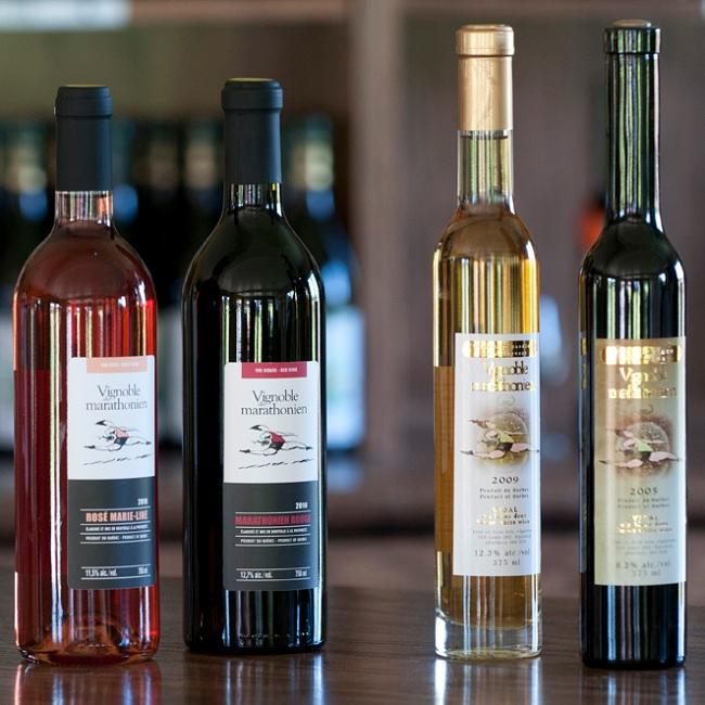 Circuit-du-Paysan-Vignoble-du-Marathonien-Havelock-bouteilles-de-vin