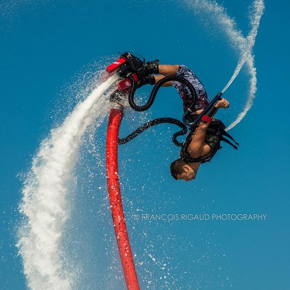 Fete-du-nautisme-flyboard-photo-courtoisie-publiee-par-INFOSuroit