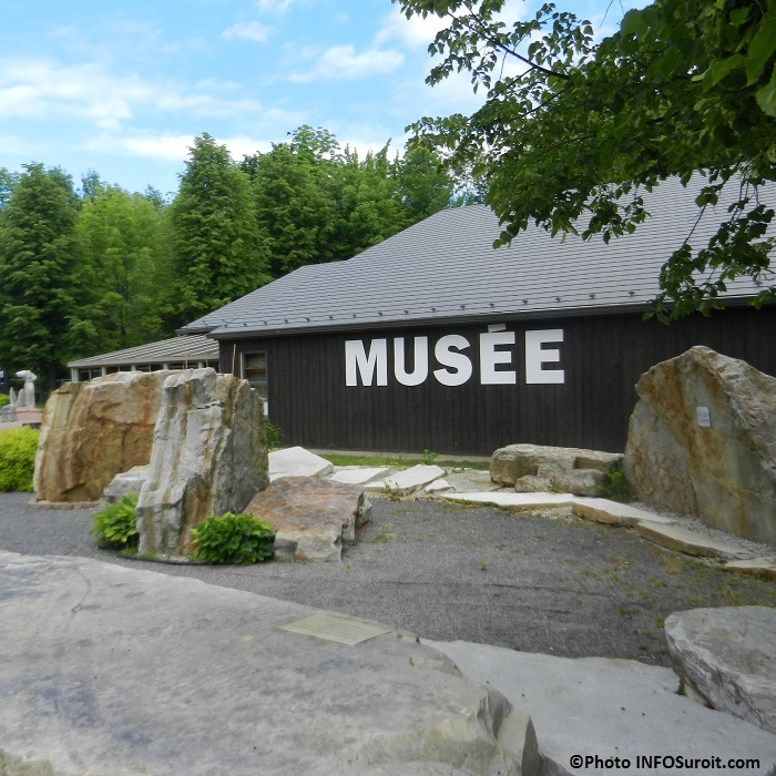 Musee-archeologie-Pointe-du-Buisson-Beauharnois-pierres-et-fossiles-Photo-INFOSuroit_com