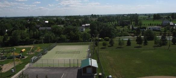 terrain-multi-sport-Saint-Etienne-de-Beauharnois-Photo-courtoisie