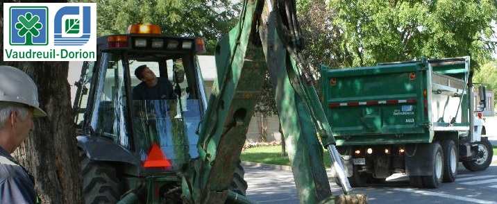 travaux-Vaudreuil-Dorion-excavation-camion-et-employes-Photo-courtoisie