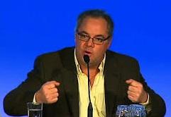 Stephane_Gobeil-auteur-livre-Un-gouvernement-de-trop-photo-courtoisie-publiee-par-INFOSuroit