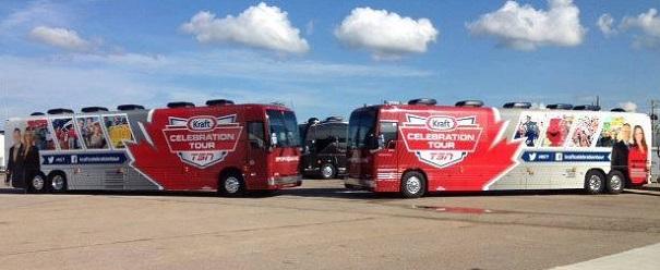 Tournee-Celebration-Kraft-RDS-a-St-Etienne-de-Beauharnois-Autobus